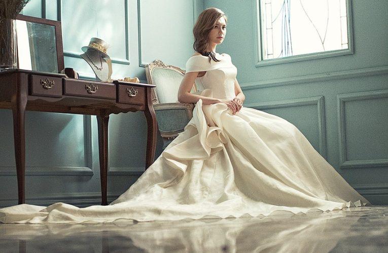 Co pasuje do ślubnej stylizacji?
