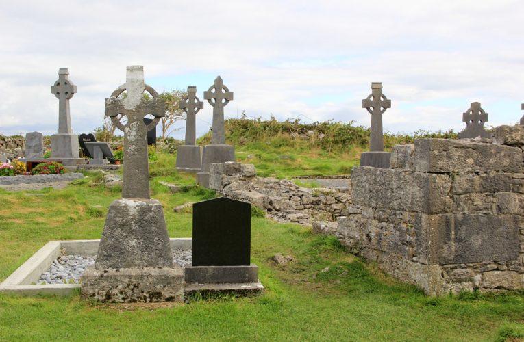 Co ma znaczenie, gdy wybiera się zakład pogrzebowy?