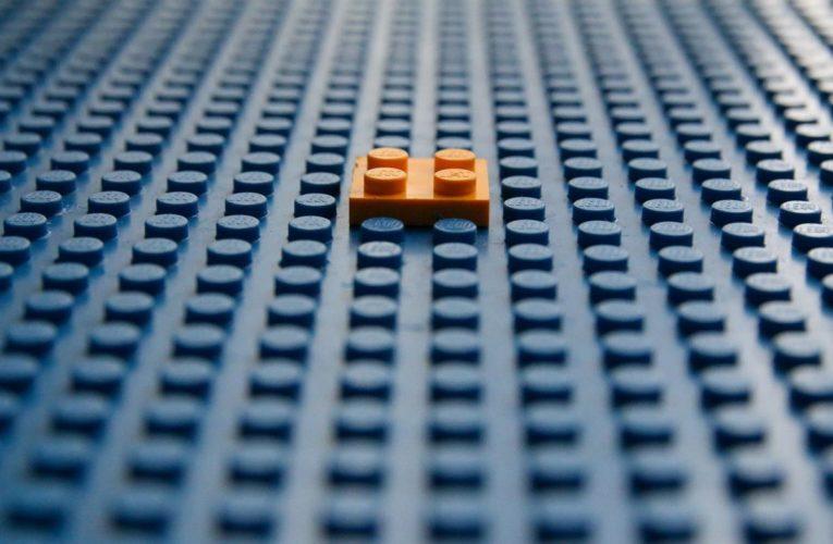 Zabawa klockami Lego to nie tylko budowanie konstrukcji