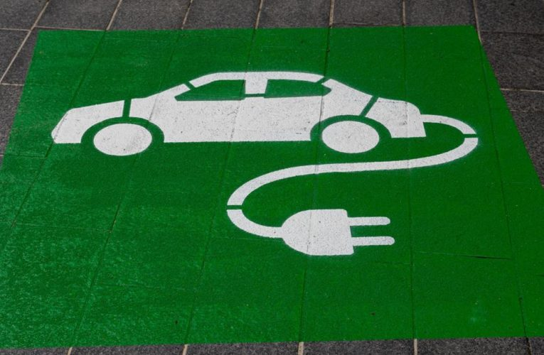 Gdzie pozyskać akcesoria do samochodów elektrycznych?