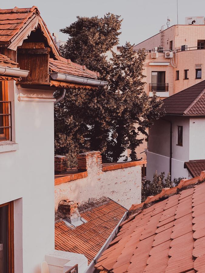 Izolacje budynków za pomocą natryskiwanej pianki